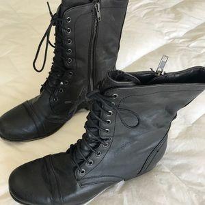 Steve Madden Black Combat Boots!